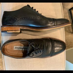 Johnston and Murphy Men's captoe dress shoes